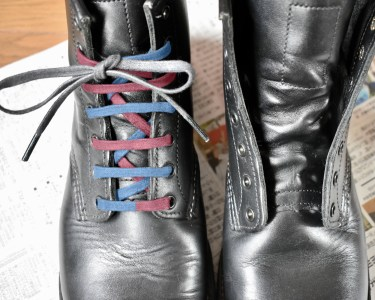 【画像でわかる】革靴やブーツに靴紐を平行に通す方法を解説