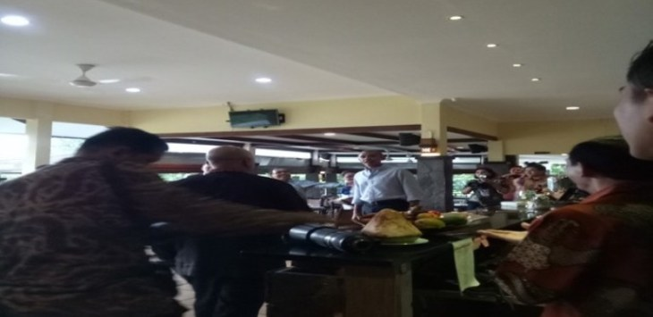 Obama saat di Grand Garden Cafe and Resto (Ist for Jawa Pos)