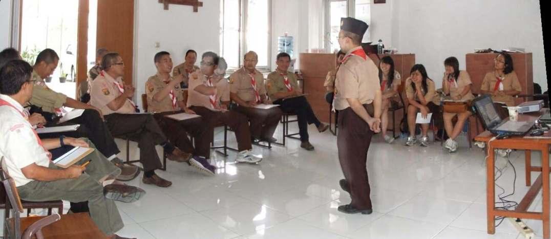 Suasana sesi kelas KMD, dibawakan oleh Kak Hendro Prakoso, S.Psi, MM.