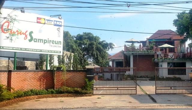 RM Curug Sampireun Bandung