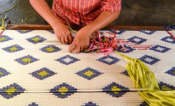 kain tradisional bali