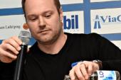 Klart: Magnus Muhrén lämnar Villa