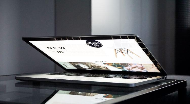 MacBook Pre-Black Friday sale