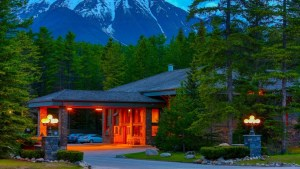 The Mountaineer Lodge - Lake Louise, Banff National Park