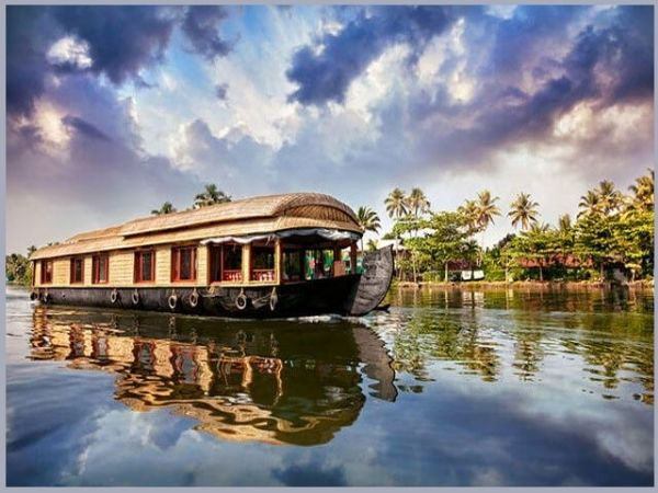 Top 10 Best Places to Visit from Bangalore to Kerala Tourism in 2021