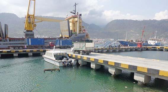 Pemeriksaan Kapal dari Luar Daerah, Petugas Kesehatan di Pelabuhan Luwuk Dinilai Lamban