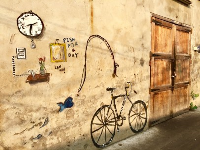 bike-on-wall