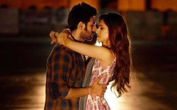 Photo Full Song Lyrics - Luka Chuppi - karan sehmbi main dekhu teri photo