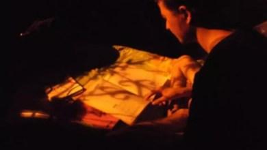 Photo of ল্যামপপোসটের নীচেই পড়াশোনা, বাবা ধোপা হলেও মেয়ে পেল ৯৫ শতাংশ নম্বর