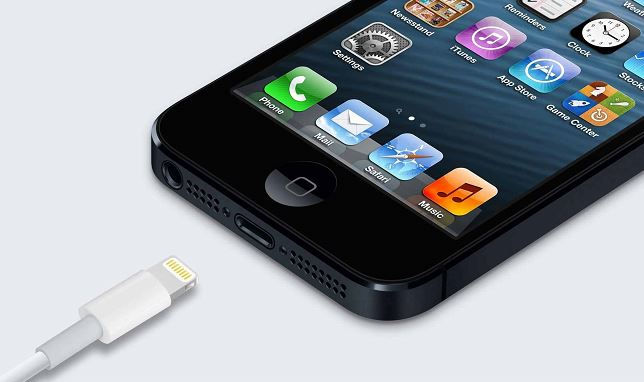 iphone-5-lightning-charger image .j