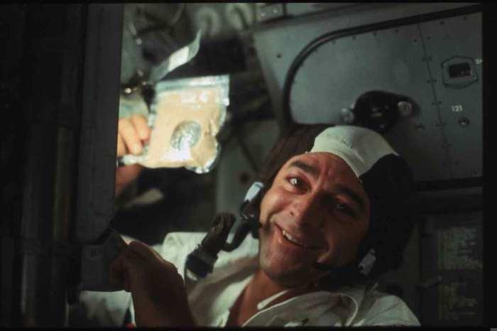 astronauts eat