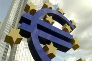Euro cade din cauza performantelor slabe ale economiilor Germaniei si Frantei