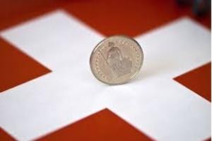 Elvetienii cer un venit minim garantat de 2.500 de franci