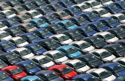 Afacerile din comerţul cu autovehicule au crescut cu 12,5% în primele două luni
