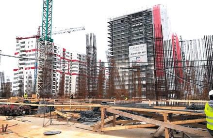 """Recordul din 2008 rămâne încă în picioare. Dezvoltatorii imobiliari au mai """"desenat"""" 58.000 de locuinţe în peisajul rezidenţial din România, maximul ultimilor zece ani"""