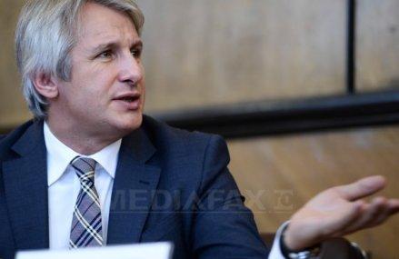 Teodorovici: PSD nu va depune un proiect de lege pentru plafonarea preţurilor la carburanţi în 2019