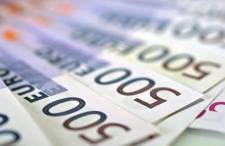 (P) ANUNŢ cu privire la oferta publică de cumpărare, cu plata în bani, pentru până la 200.000.000 Acţiuni ale Fondul Proprietatea S.A., sub formă de Acţiuni şi GDR-uri având la bază Acţiuni la un preţ de 1,39 RON per Acţiune şi suma echivalentă în dolari americani a 69,5 RON per GDR