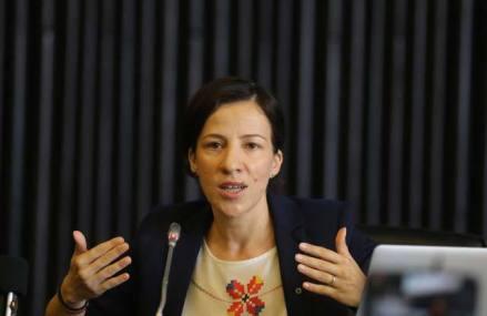 """Roxana Mînzatu, ministrul fondurilor europene: """"În următorul program de finanţare, vrem să susţinem activitatea companiilor subvenţionate de Ministerul Fondurilor Europene prin acceleratoare de afaceri"""""""