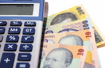 Populaţia şi companiile au în bănci cu 16 miliarde de euro mai multe depozite decât credite. Creditele avansează în continuare mai lent decât depozitele