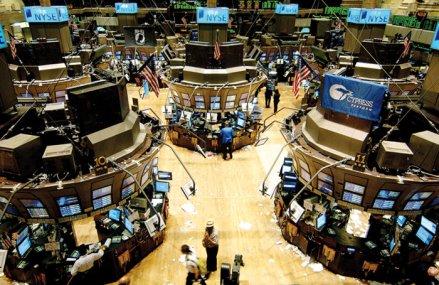 Bursele internaţionale scad pe fondul incertitudinilor legate de acordul comercial SUA-China şi al discuţiilor privind Brexit
