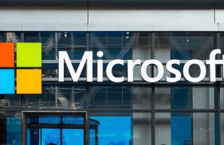 Microsoft va răscumpăra acţiuni de 40 miliarde de dolari