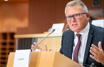 Salariul minim la nivel european, o utopie, o necesitate sau momeală electorală? Un comisar a făcut din introducerea lui o prioritate