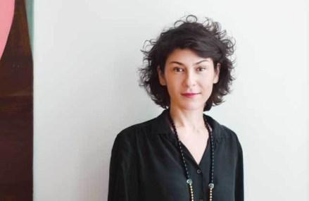 Un dealer de artă investeşte 60.000 de euro pe an pentru participarea la târguri. Anca Poteraşu: Vrem să aducem în România curatori şi actori foarte importanţi pe scena internaţională