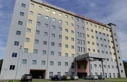 Italienii de la Monza negociază vânzarea clădirii spitalului Monza din Bucureşti. Preţul ar urma să se ridice la câteva zeci de milioane de euro, tranzacţia fiind una strict imobiliară