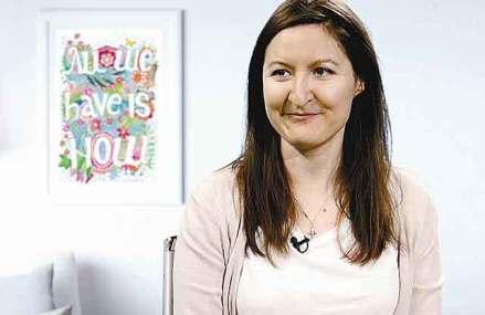 Afaceri de la zero. Liliana Arnaut, absolventă de Arte, face 50.000 de euro cu un atelier de ilustraţii lângă Cişmigiu şi îşi vinde creaţiile în reţelele de librării Cărtureşti şi Diverta