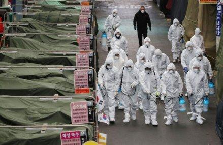 COD ROŞU de coronavirus: Ţara care, după China, ridică la nivelul de alertă la maxim