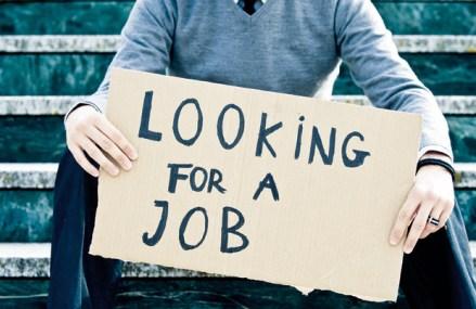 Generaţia pierdută: pandemia spulberă speranţele tinerilor privind siguranţa locurilor de muncă şi un viitor confortabil