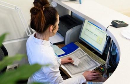 Circa 25% dintre sucursalele băncilor din Europa se vor închide în următorii 3 ani. Serviciile bancare în mediul online este de aşteptat să crească cu 70% în următorii 3 ani