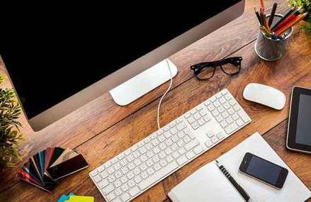 Angajaţii şi angajatorii, faţă în faţă cu digitalizarea în vreme de criză. Mersul la birou va deveni istorie în urma crizei generate de coronavirus: munca de acasă o să fie un obicei, nu un beneficiu