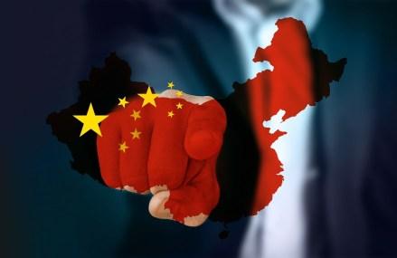 Consumatorii chinezi îndemnați să cheltuiască pe măsură ce economia începe să revină la normalitate