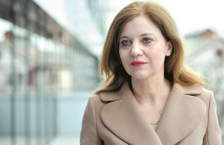 """ZF LIVE. Oana Petrescu, CEO al Blue Air. Dacă statul nu va proteja industria din care facem parte, există riscul ca noi şi Tarom să pierdem rutele pe care le operăm. """"Fiecare stat încearcă să-şi protejeze firmele locale. Companiile care vor beneficia de finanţare vor fi mai puternice"""""""