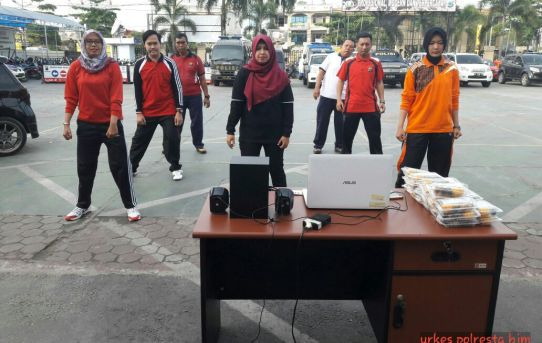 Urusan Kesahatan ( URKES ) Polresta Banjarmasin Gelar Senam Prolanis