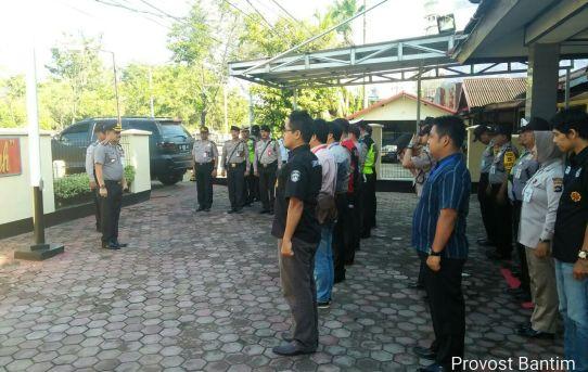 Kapolsek Banjarmasin Timur Pimpin Apel Konsulidasi Setelah Ploting Pagi