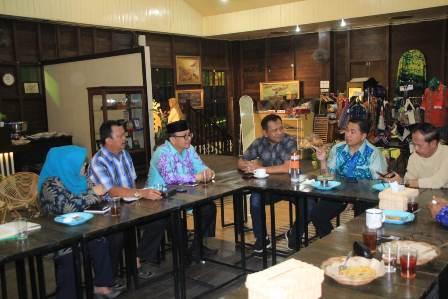 Kapolresta Banjarmasin Hadiri Rapat Bulanan Forkopimda Banjarmasin