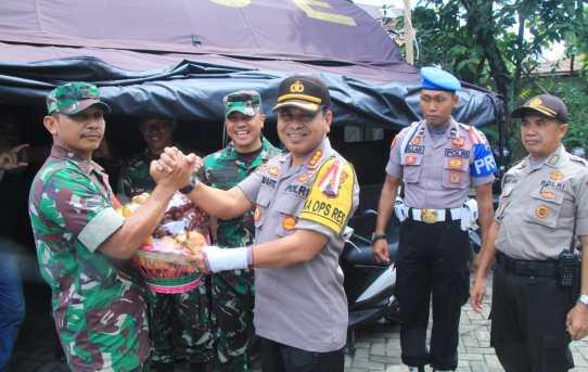 Gandeng Dandim, Kapolresta Banjarmasin Beri Suntikan Semangat ke Anggota yang Pengamanan di PPK