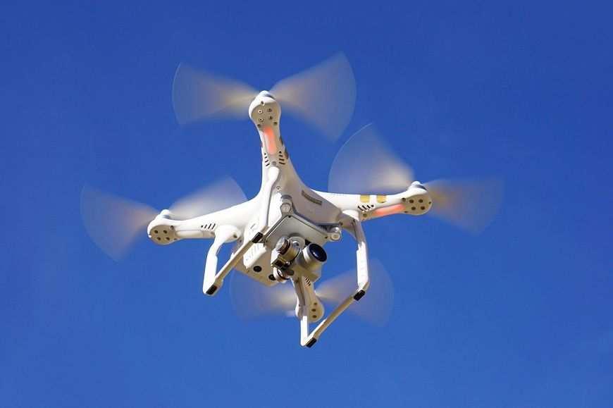 Modele i drony