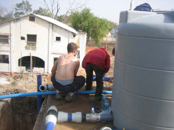 Connecting the water tank to the MITIE house