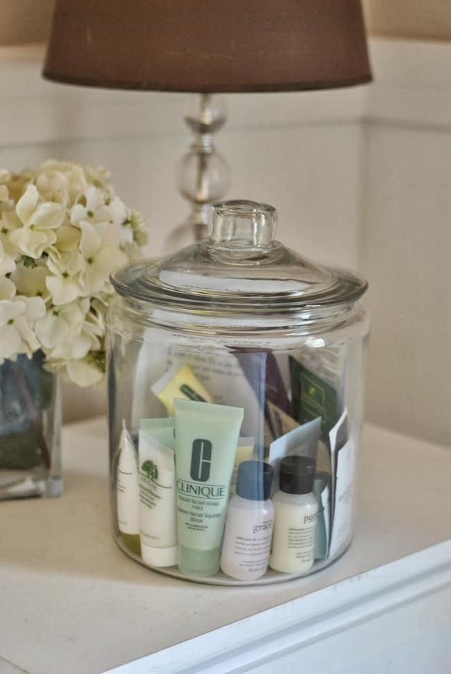 Tips to save money and organize your home
