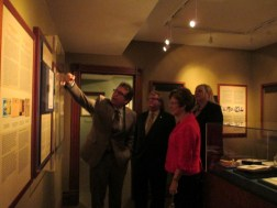 Grant shows our distinguished guests the replica of Banting's Nobel Prize.