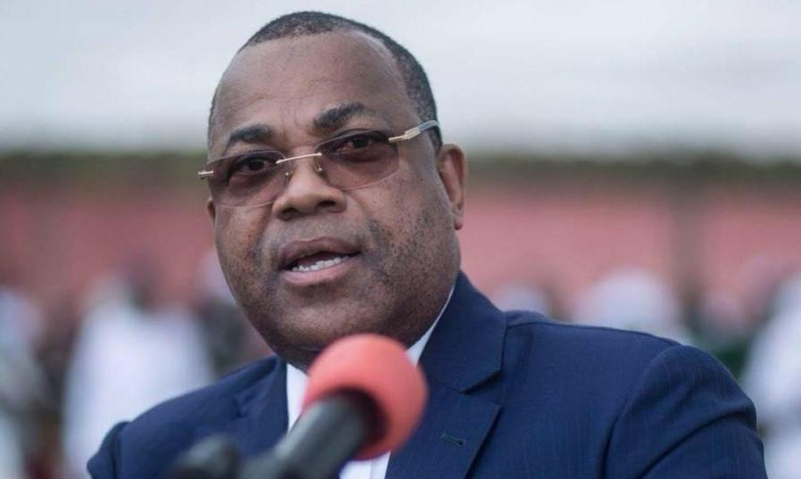 Suppression des vacations par le Premier Ministre Julien Nkoghe Bekalé
