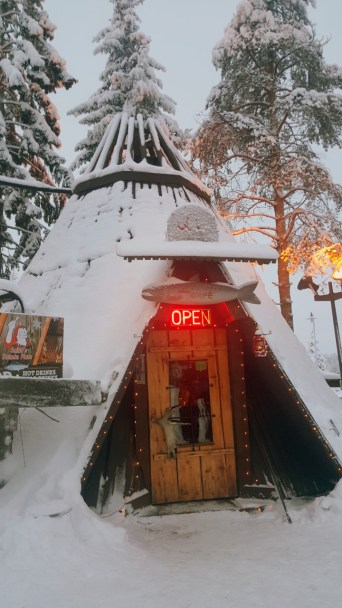 Santa Claus Köyü Laponya