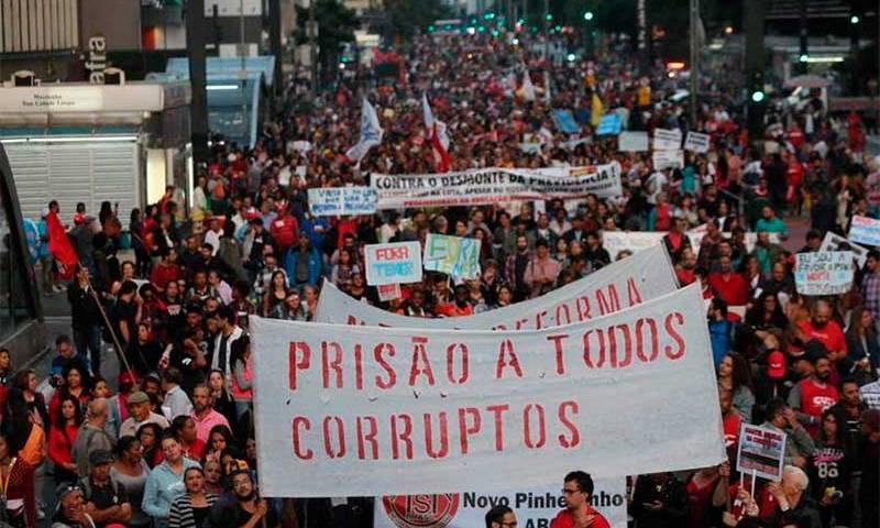 Brasil mantém nota, mas cai em ranking de percepção da corrupção