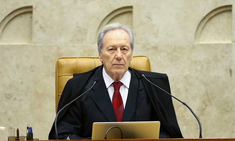 Lewandowski autoriza divulgação de exames de Bolsonaro