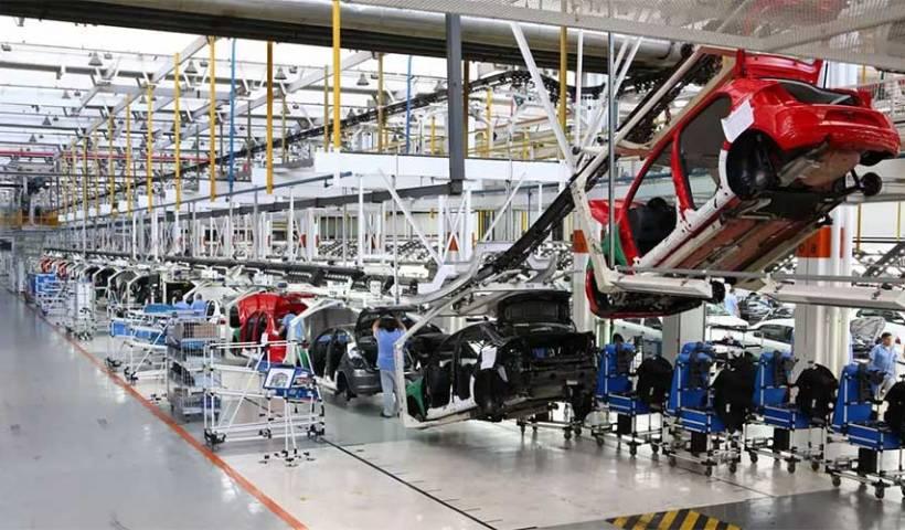 Com pandemia, 76% do setor industrial reduziu produção
