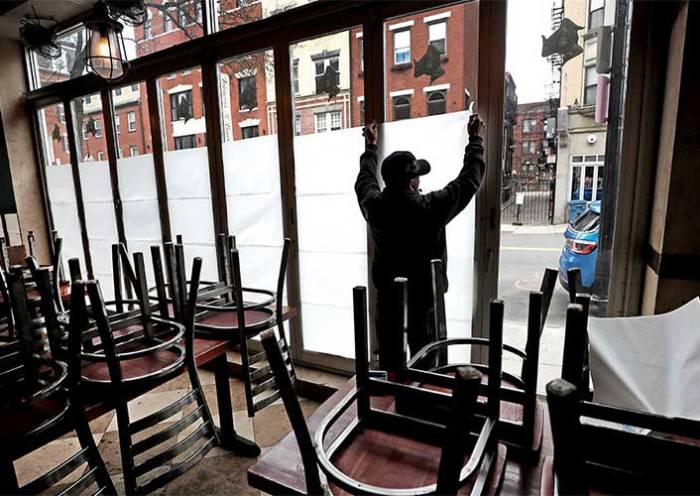 Califórnia fecha bares e restaurantes na maior parte do estado