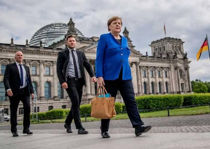 Merkel: Alemanha pode chegar a 19.200 casos de coronavírus por dia